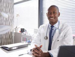 Carreira médica: o que é preciso para ser bem-sucedido?