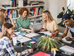 Vida de calouro: confira 4 dicas de como fazer amigos na faculdade!
