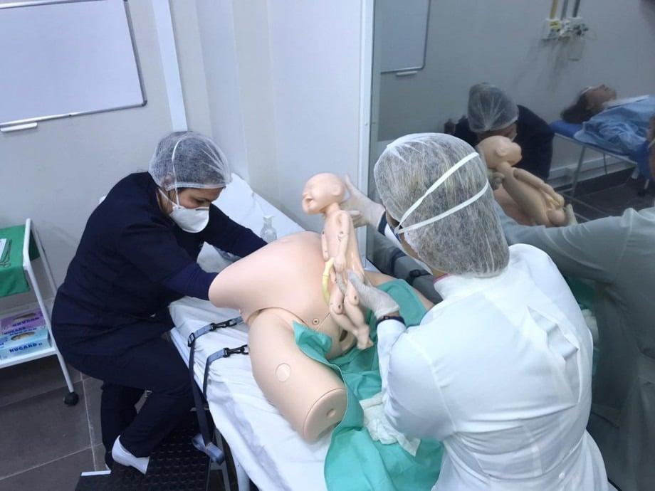 Laboratório de Simulação Realística recebe cinco novos manequins interativos
