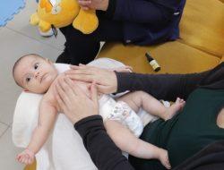 Projeto do curso de Medicina oferece massagem para bebês